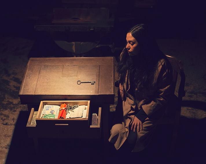 Shaday Larios y el Teatro de objetos documentales